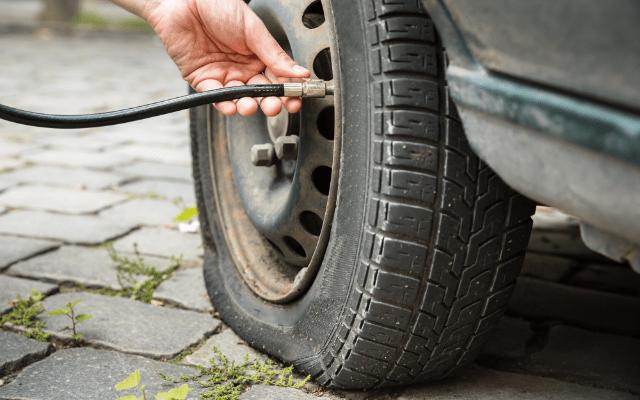 タイヤ空気圧を一括管理